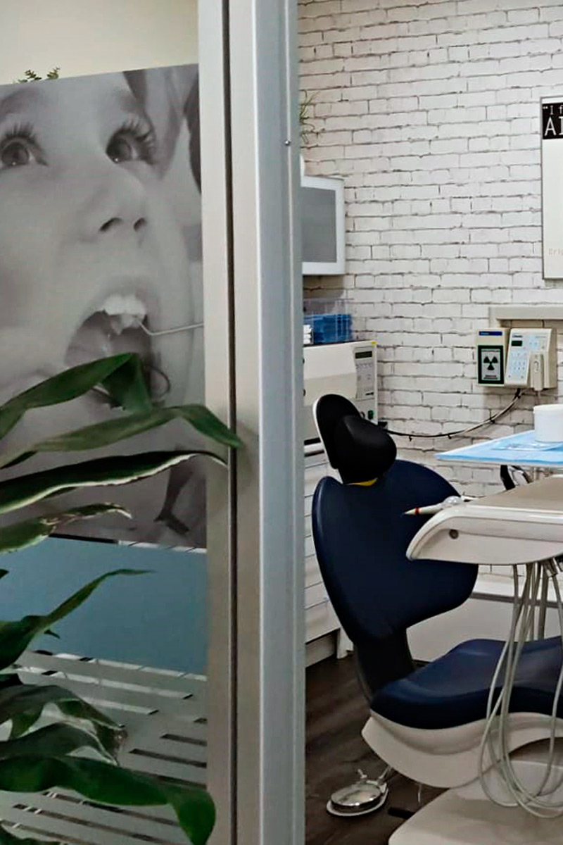 Clínica dental Llagostera, implanes, brackets, limpieza dental