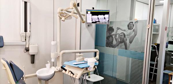 Mejoramos la estética y la salud bucal con el blanqueamiento dental